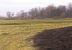 Feldkreuz und Flurbereinigungsdenkmal im Herbst